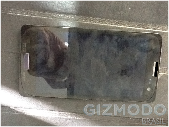 Probably The First Real Photos of Samsung Galaxy S III Leaked [IMAGES]